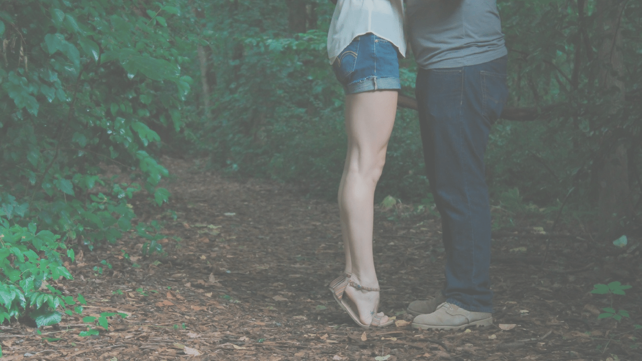 How to Stand Out when you Meet People and on a First Date