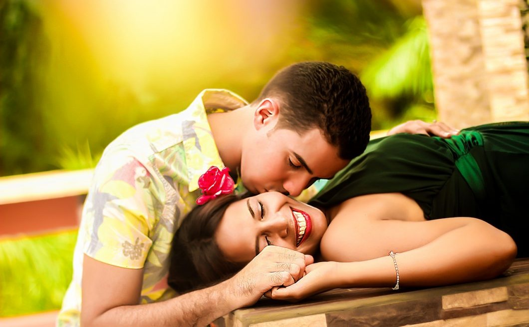 Compatibility through kissing and smell